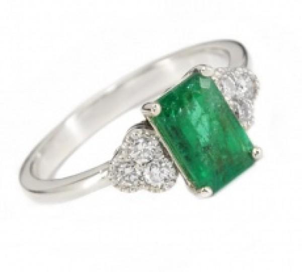 Fehérarany gyűrű smaragddal és gyémánttal