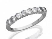 Eljgyzési gyűrű gyémánttal