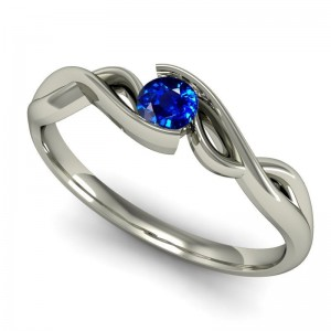 Arany eljegyzési gyűrű