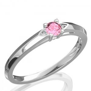 Fehérarany gyűrű gyémántokkal