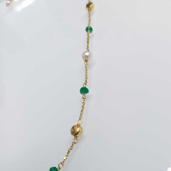 Arany nyaklánc smaragddal és igazgyönggyel