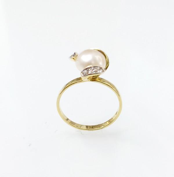 Arany gyűrű valódi gyönggyel