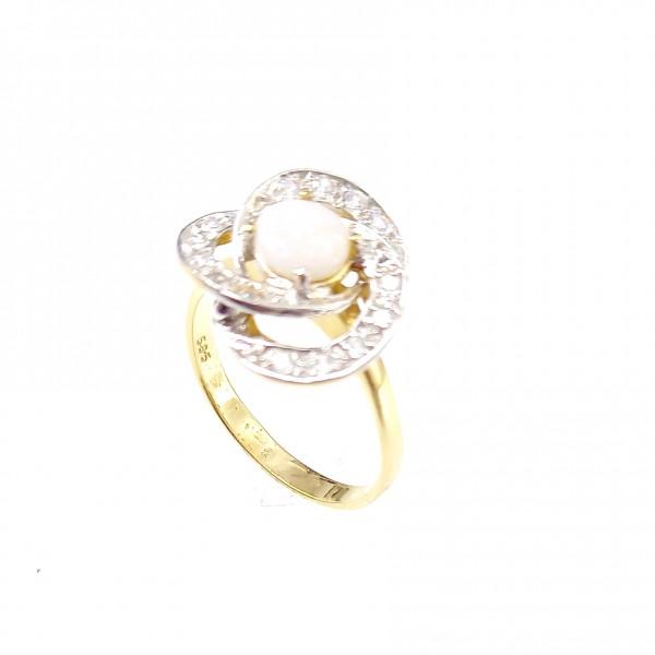 Arany gyűrű opál kővel