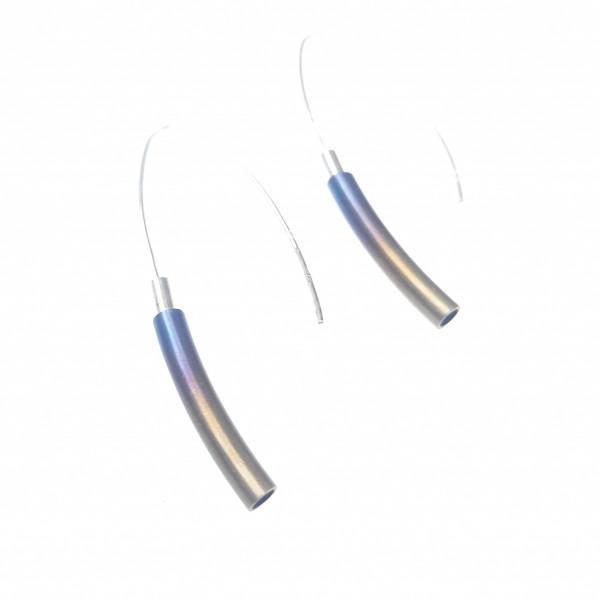 Ezüst fülbevaló titániummal